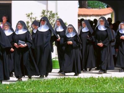 ITALIE : DES RELIGIEUSES ENCEINTES À MILAN APRÈS AVOIR ACCUEILLI DES MIGRANTS