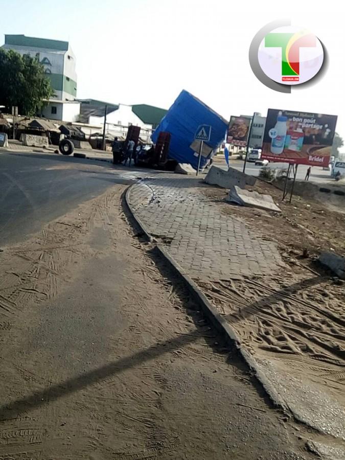 Urgent : Accident au rond point pikine