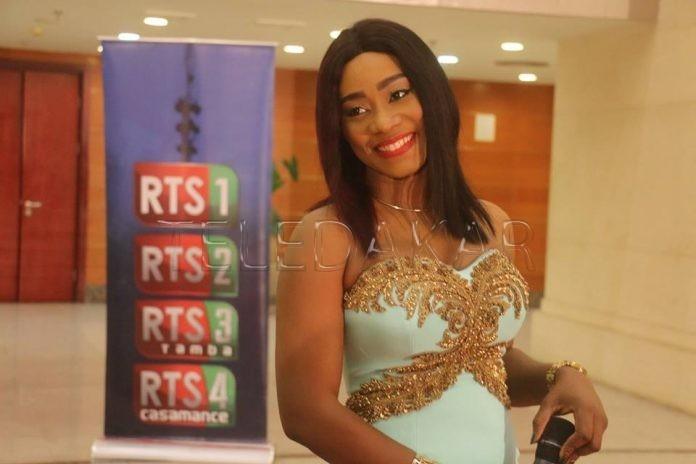 Grand Théâtre : Sara de la RTS1 élève la barre très haute avec son sagnsé  %Post Title