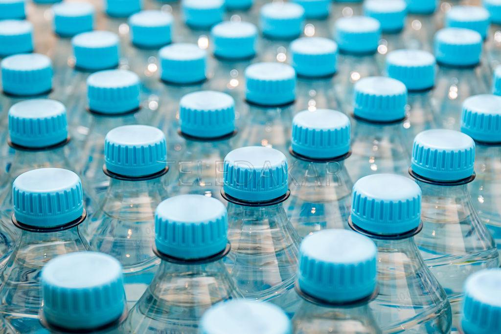 Piti arr t de boire de l eau en bouteille teledakar - Eau en bouteille vs eau du robinet ...