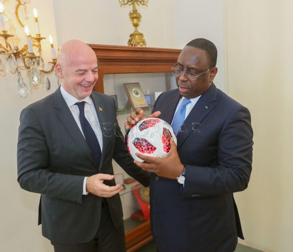 Photos : Le président de la Fifa, Gianni Infantino reçu par Macky Sall  %Post Title