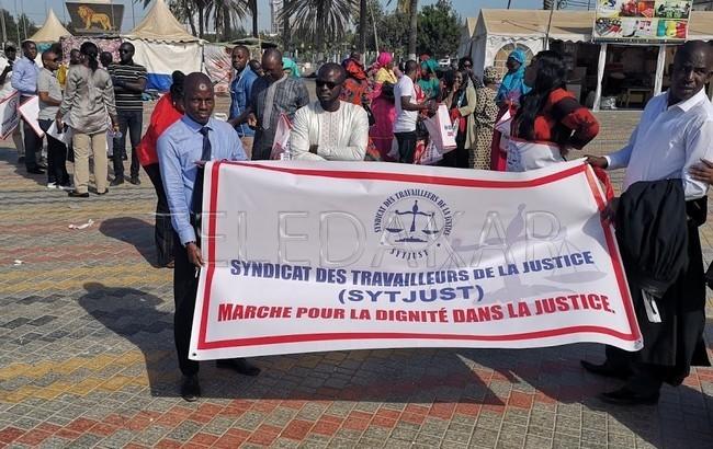 Le Syndicat des travailleurs de la justice décrètent une grève de …  %Post Title