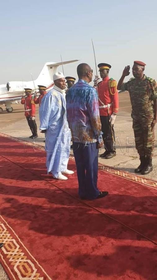 Photos- Conakry : Me Abdoulaye Wade accueilli par Alpha Condé %Post Title