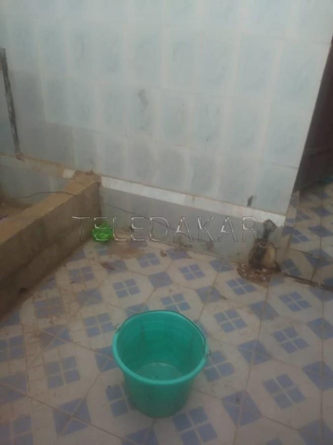 Photos - Les toilettes de l'hôpital Le Dantec défrayent la chronique