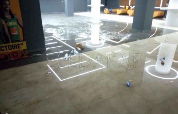 Photos - Dakar Arena: 66 milliards investis et pourtant le hall des VIP inondé par la pluie