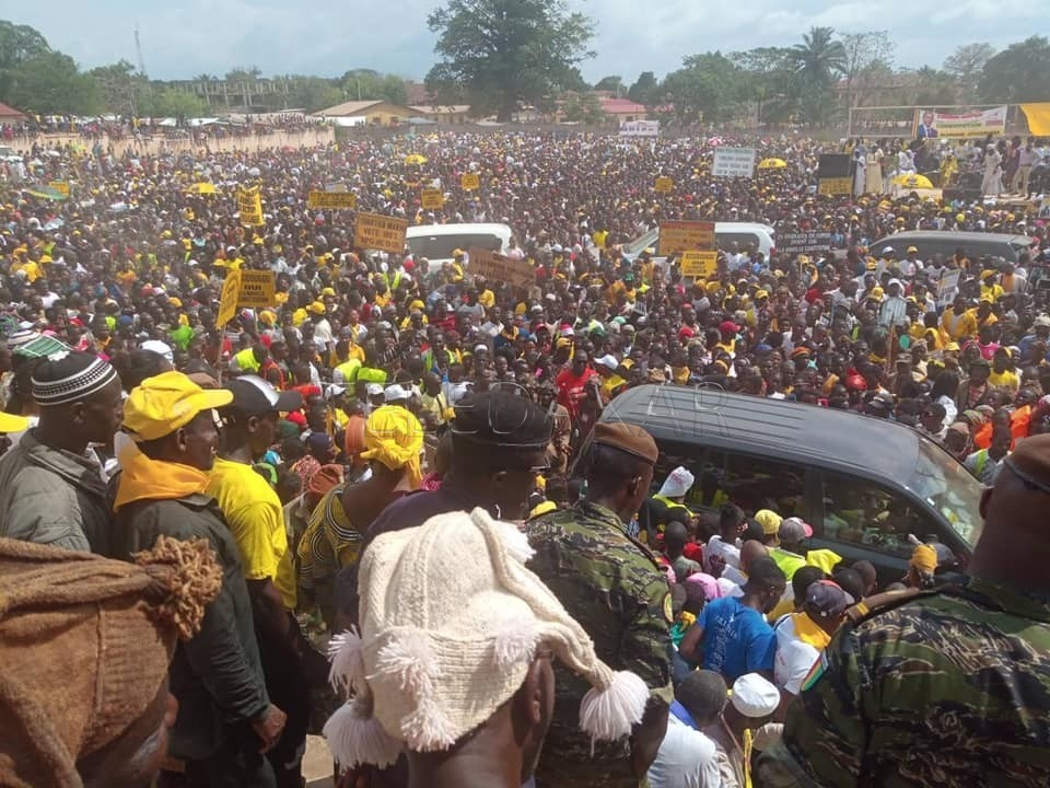 Photos - Guinée : Voici La foule immense qui veut réélire Alpha CONDÉ  %Post Title