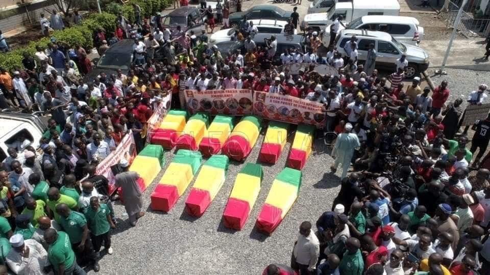 Photos - Guinée (13 morts déjà) pour obtenir son troisième mandat illégal et illégitime  %Post Title