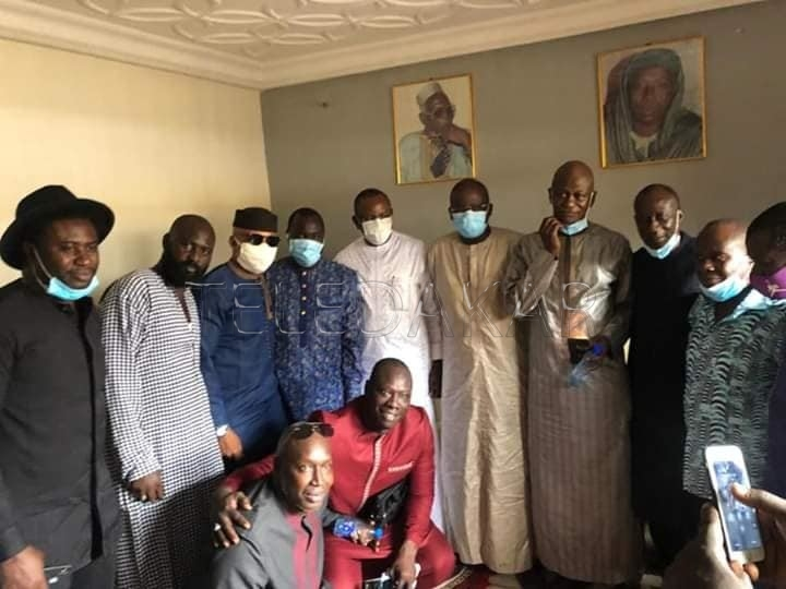 Condoléances : Une délégation de la génération 2002 et le ministre des Sports chez Moussa Ndiaye